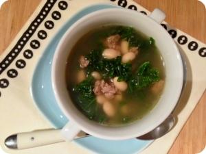 White Bean, Turkey & Kale Soup