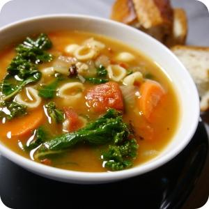 Smoky Kale & White Bean Soup